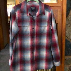 Women's beautiful Pendleton wool shirt